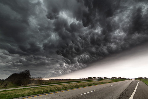 road sky storm clouds america vanishingpoint scary unitedstates missouri thunderstorm turbulence webres mcginnis outflow roiling