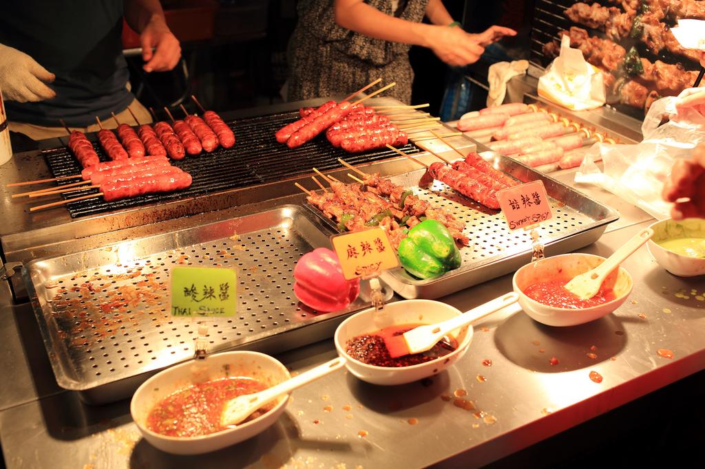 20150723萬華-山豬王香腸、肉串 (2)