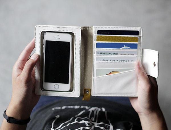 simplism iphone clutch wallet open