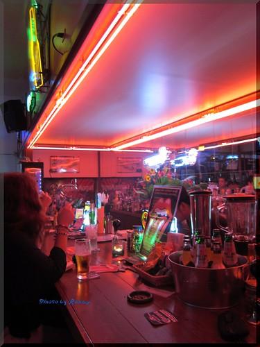 Photo:2012-08-03_ハンバーガーログブック_【本牧】Aloha Cafe 周年イベントで1パウンドバーガーにぱくついてきました。-03 By:logtaka