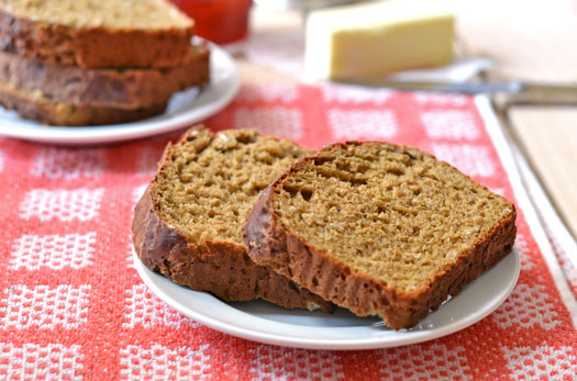 No knead oatmeal bread slices on a plate