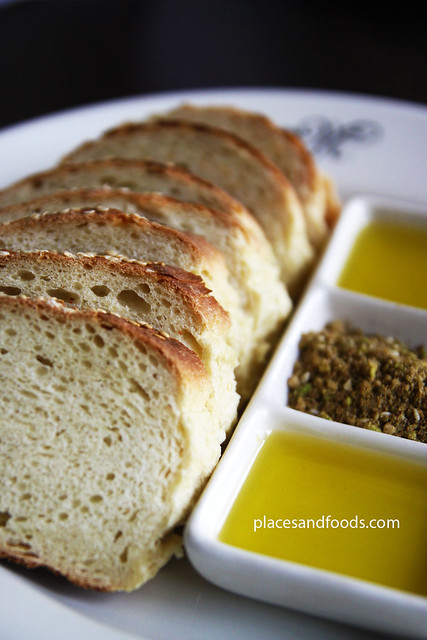max's restaurant bread with olive oil