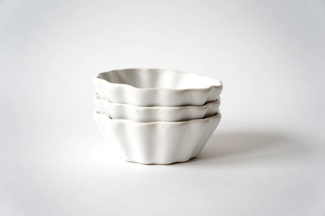 White scalloped baking dishes