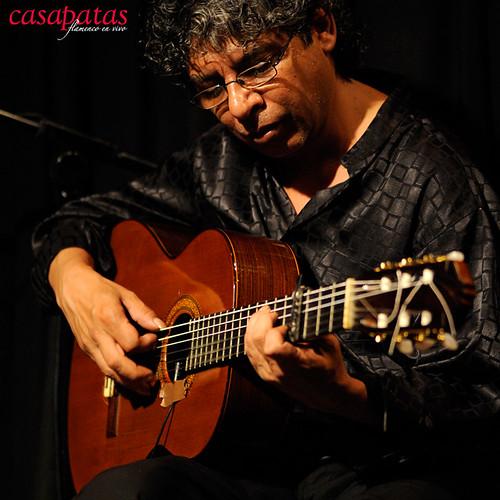 Juan Serrano a la guitarra. Foto: Martín Guerrero