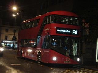 Metroline LT114 on Route 390, Notting Hill Gate