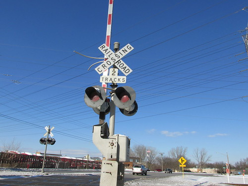 The Union Pacific railroad crossing on Wolf Road.  Des Plaines Illinois.  December 2013. by Eddie from Chicago