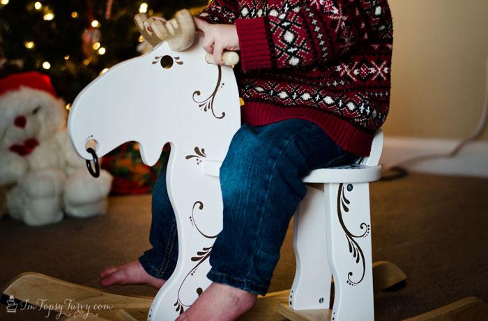 Christmas-rocking-moose-gift-#StaplesSharpie