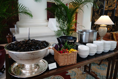 Pot Steamed Mussels Station - Champagne Brunch at InterContinental Singapore