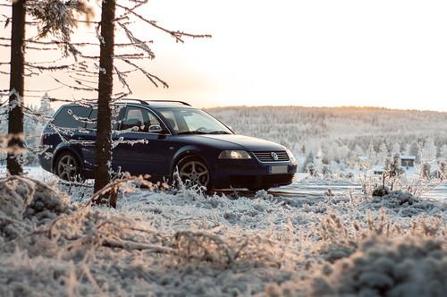 road winter sunset snow cold ice field car sunshine skyline finland landscape outside outdoors 50mm frozen nikon scenery dof view horizon sunny automotive depthoffield clear handheld cloudless nikkor f18 spruce depth 2014 d90 nikond90