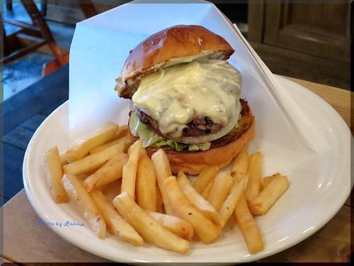 Photo:2014-01-26_ハンバーガーログブック_【広尾】BurgerManiaHiroo Newsです!本年初訪問で伺ったのは新店舗の話!-10 By:logtaka