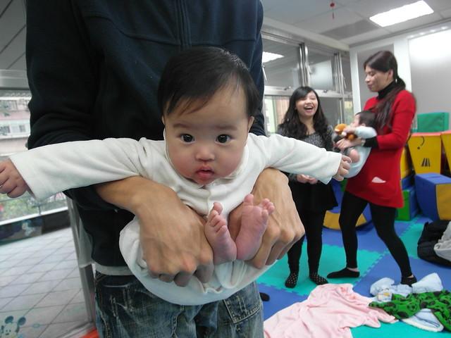 Birthlight嬰兒瑜珈:飛高高預備式