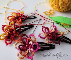 Tatted flower hair clips