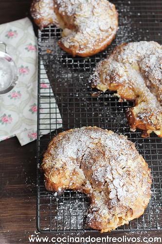 Croisant con almendras www.cocinandoentreolivos (2)