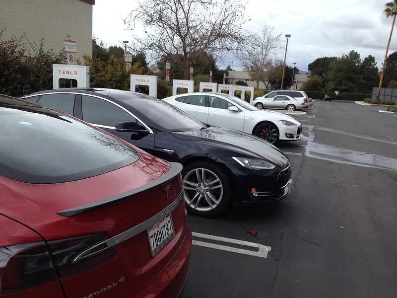 Back at the Tesla Buelton Supercharger on the way home from the BMW Active E West Coast Wake