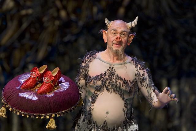 Maxim Mikhailov in The Tsarina's Slippers (Cherevichki), The Royal Opera © ROH/Bill Cooper, 2009