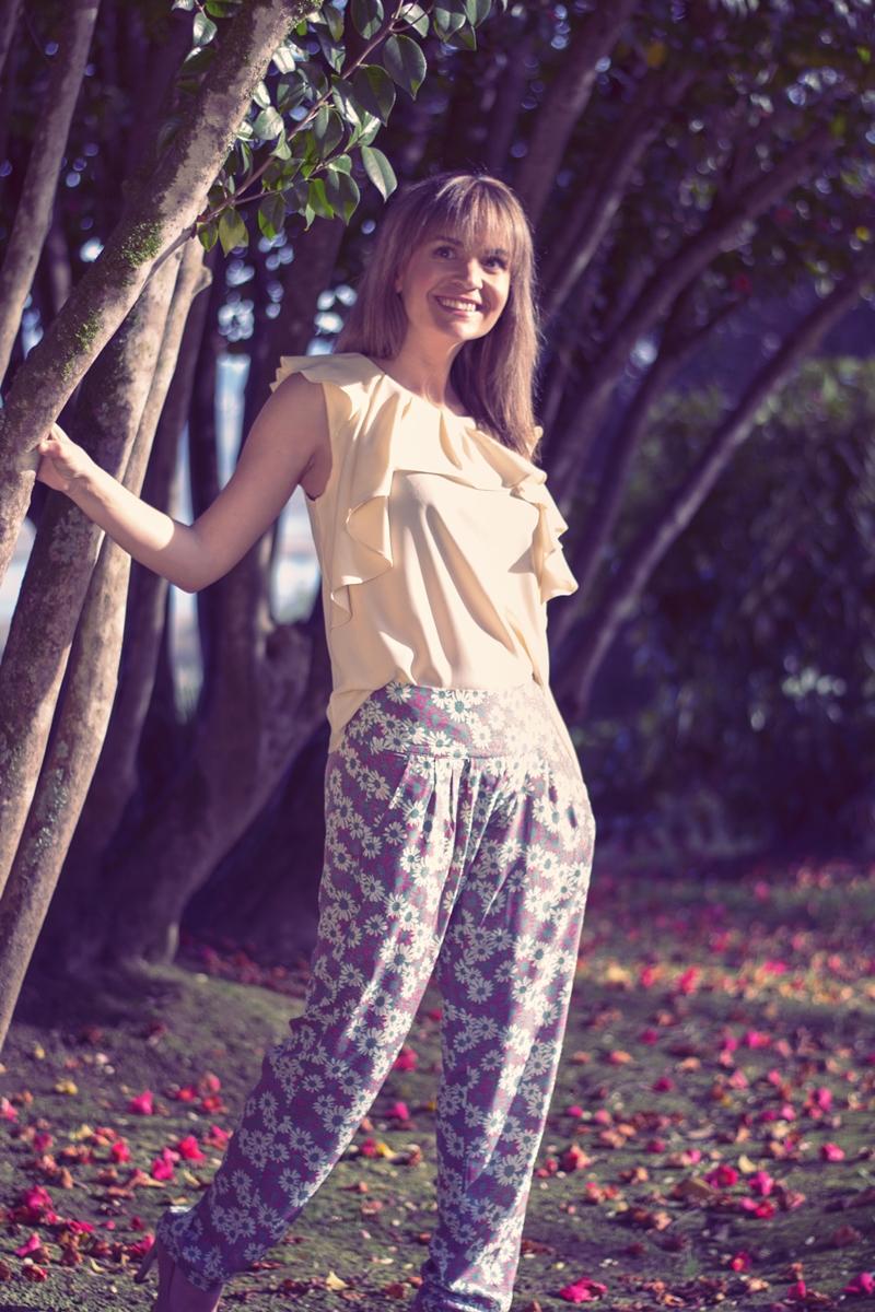 Blusa Volantes y Pantalón flores