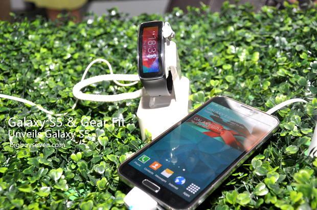 Samsung unveils Galaxy S5 5