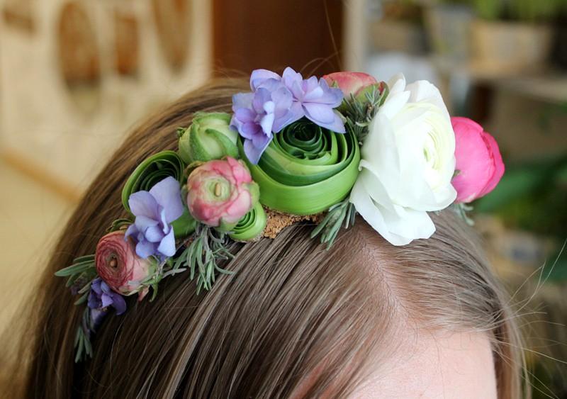 Как правильно сделать корону из живых цветов
