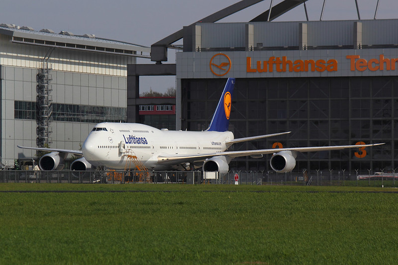 Lufthansa - B748 - D-ABYJ (1)