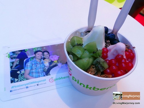 Pinkberry Original Frozen Yogurt + 7 Toppings