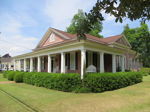 House 311 Kirkland St Abbeville AL