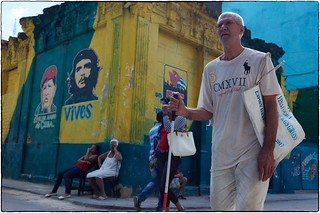 Street Corner With Che and Hugo, Havana, February 13, 2017