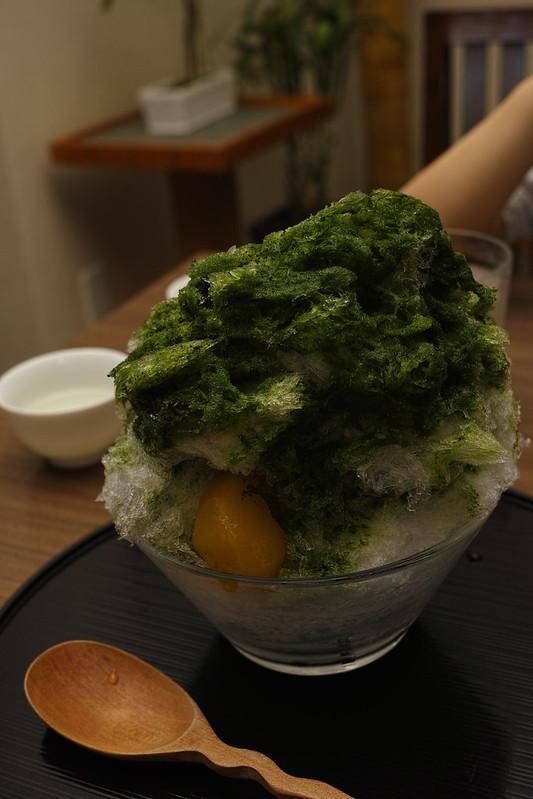 a shaved ice / かき氷(八女抹茶金時)