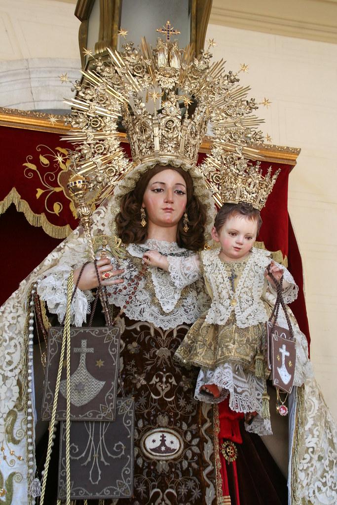 Nuestra Señora del Carmen Coronada.