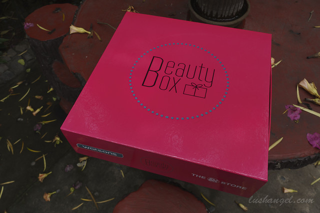 9400145315 80d55da303 z SM Beauty Box
