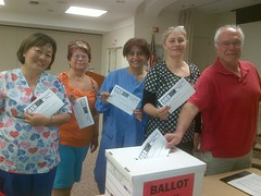 Dignity RNs voting at St. Mary's Medical Center