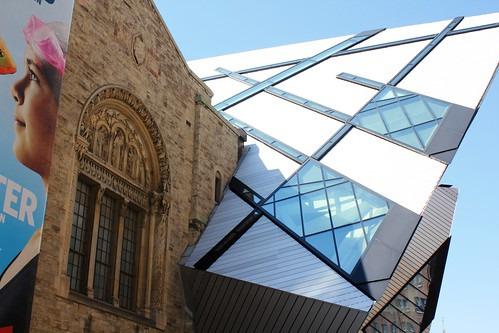 Royal Ontario Museum, Toronto (by: zio Paolino, creative commons)