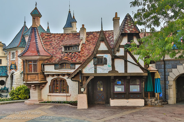 DLP Oct 2013 - Wandering through Fantasyland
