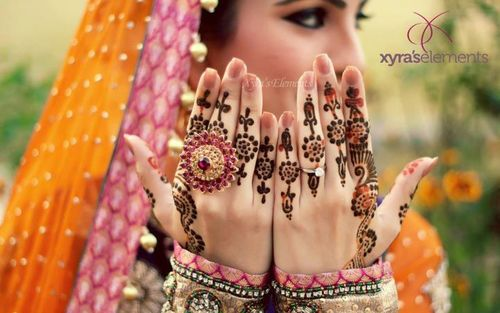 New Modern Mehndi And Henna Designs For Hands