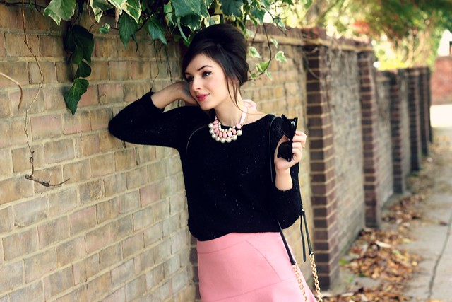 Black and Pink Autumn Outfit