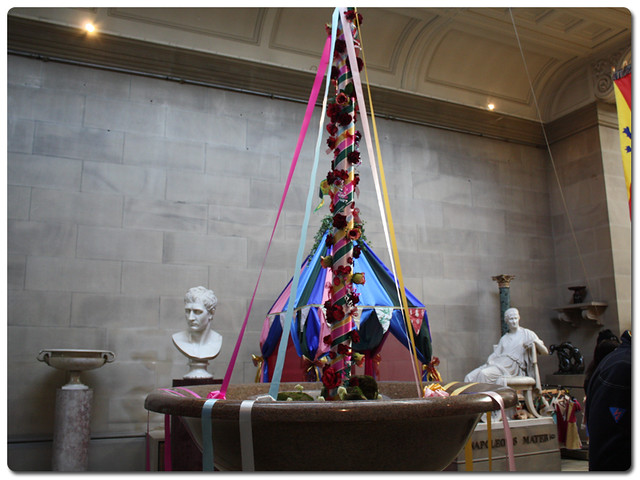 chatsworth33-maypole