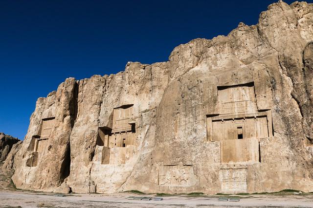 Achaemenid tombs of kings in Naqsh-e Rustam, Iran ナグシェ・ロスタム、アケメネス朝の十字型王墓