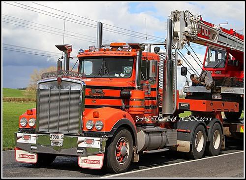Central Equipment Movers 1 - Kenworth T900