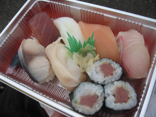 金沢競馬場の金澤玉寿司の折詰