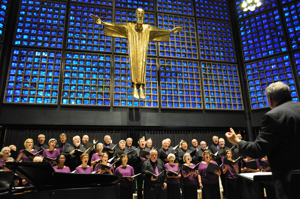 Richard Eaton Singers performs in the Gedachtniskirche in Berlin