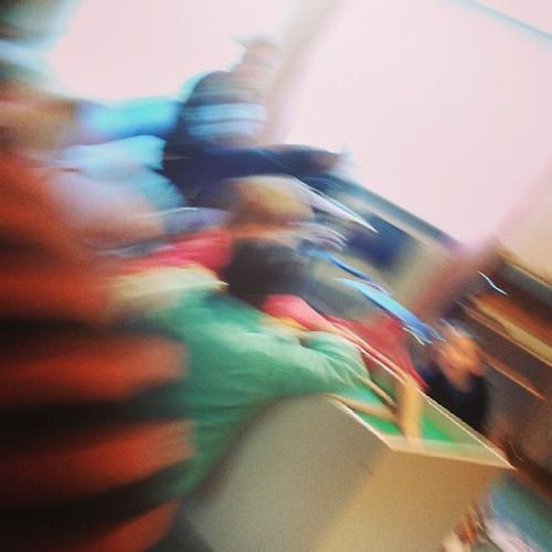 Selbstanonymisierendes Kinderarzt-Wartezimmerfoto #12v12