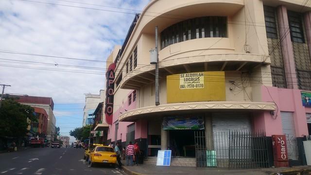 El salvador instituto de iberoamerica universidad de for Ferreteria barrio salamanca