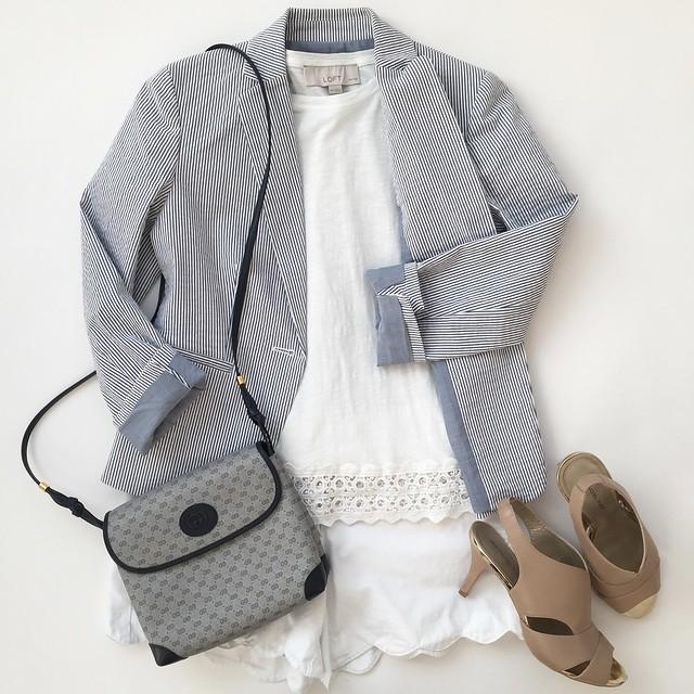 Ann Taylor Seersucker Jacket, size 00 regular