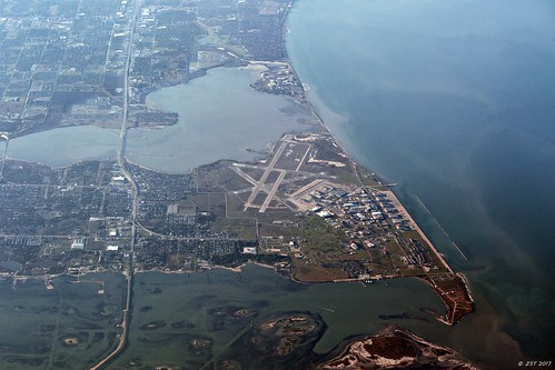 aerial aerialview airfield bay bridge brotoiah brownsvilletohouston commercialflight corpuschristi flight flourbluff lagoon nas navalairstation osobay spit texas unitedairlines vacation viewedfromabove windowseat zeesstof