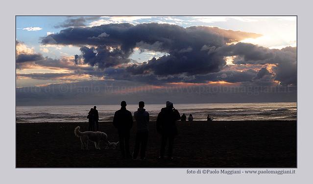 Nuvole-sulla-spiaggia-gente-E510_1056778-BLOG
