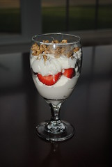 strawberry granola parfait (3)