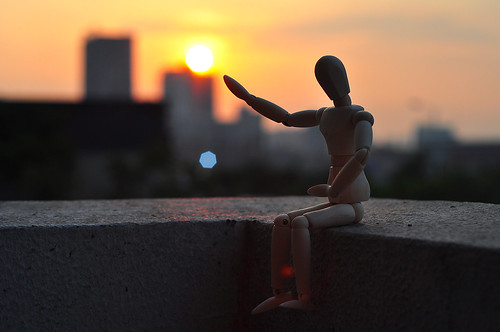 sunset sun silhouette toy 50mm nikon ngc woody pcc woodentoy cebusugbo