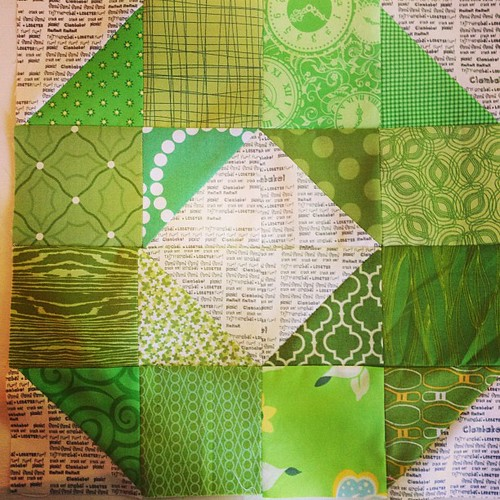 Green wheel block for July #dogoodstitches #havendgs