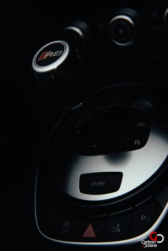 2013 - Audi - R8-16.jpg