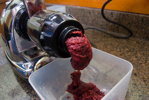 juicing frozen berries