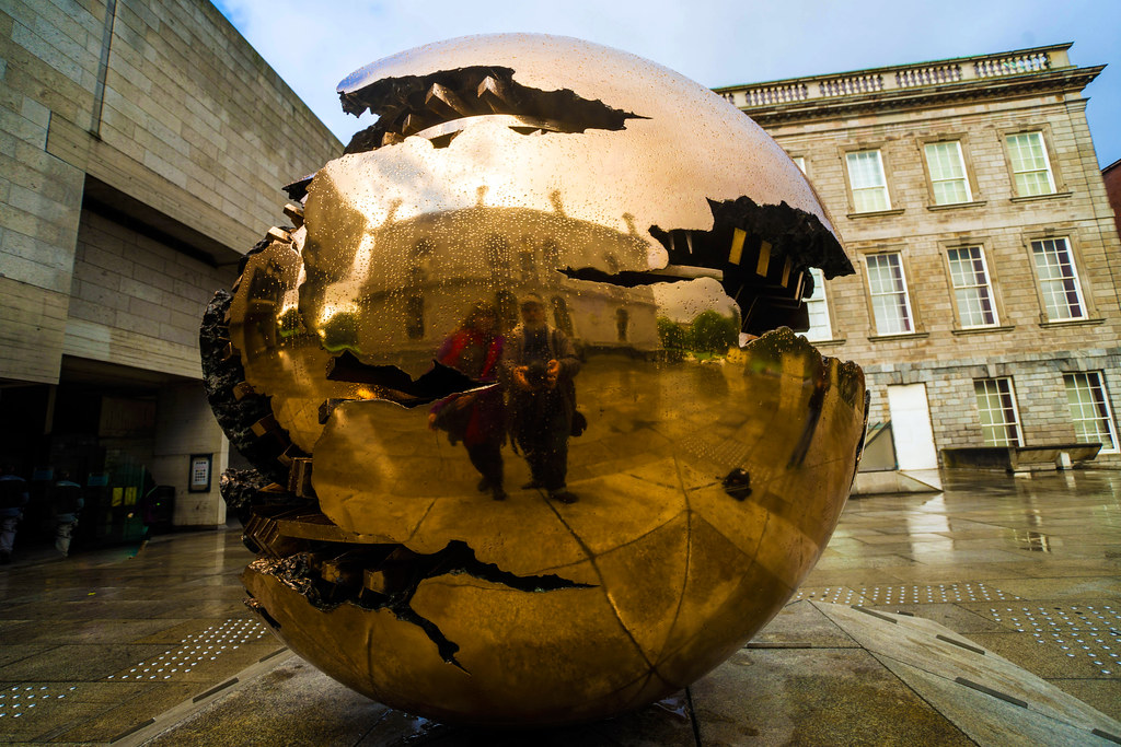 Sphere Within Sphere (Sfera con sfera) Trinity College